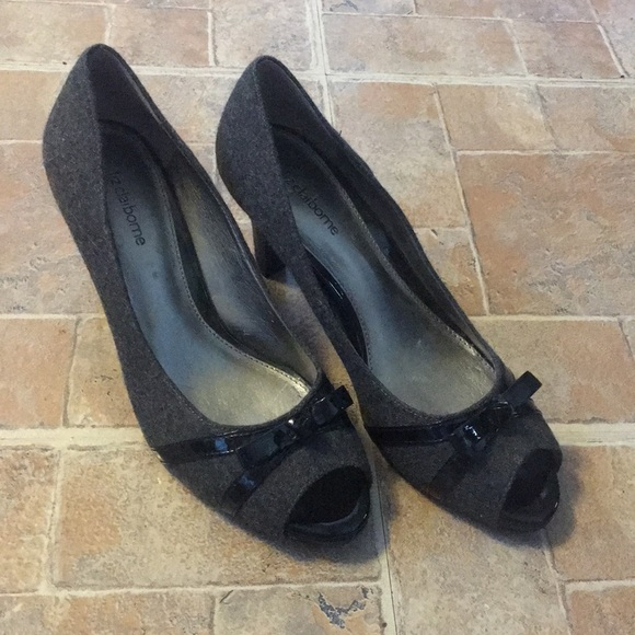 329434c2b2b Liz Claiborne 3 inch heels size women s 8 1 2
